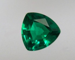 VERY NICE HYDROTHERMAL EMERALD 1,05 CT and 7x7MM