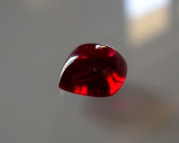 SUPERBE VERNEUIL PIGEON BLOOD RUBY 10X10mm