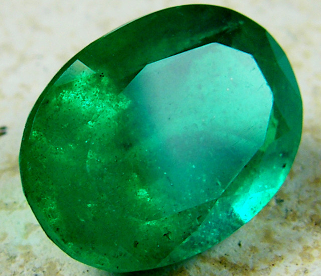 OVAL BYRON DOUBLET EMERALD  7.15  CARATS  AAT8