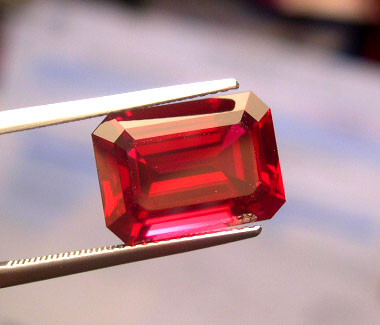 VERY NICE VERNEUIL RUBY PIGEON BLOOD RED  8x10mm
