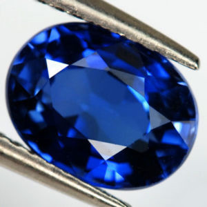 VERY NICE ROYAL BLUE VERNEUIL SAPPHIRE 8x10MM
