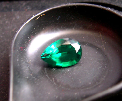 VERY NICE HYDROTHERMAL EMERALD 2,72 CTS