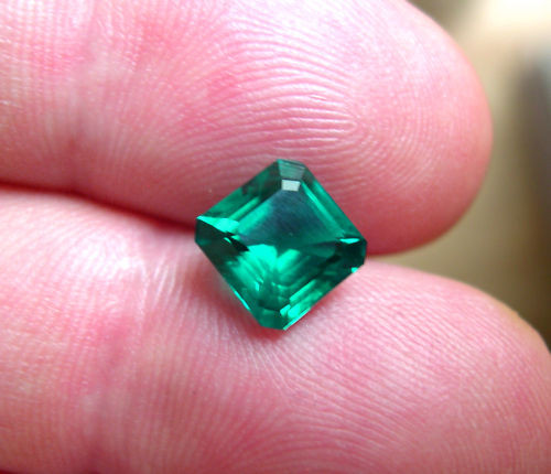 VERY NICE HYDROTHERMAL EMERALD 8x8mm. 2CTS