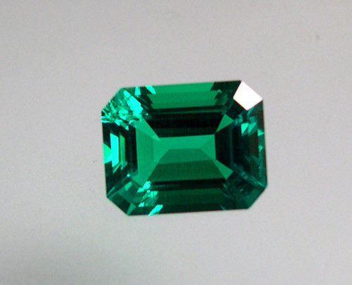VERY NICE HYDROTHERMAL EMERALD 8x10mm.2,97 CTS