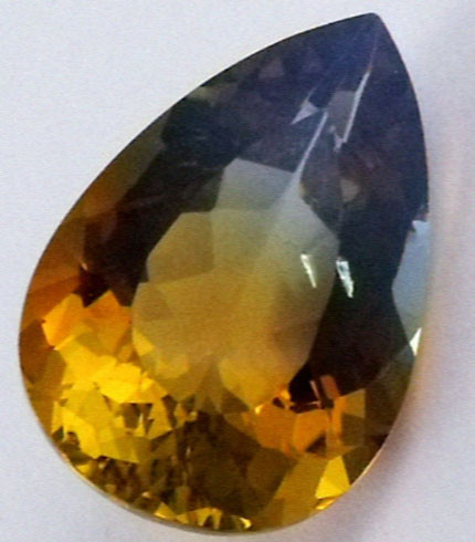 DAZZLING BI COLOR GEMSTONE (SYNTHETIC) 12.45  CARATS PG 76