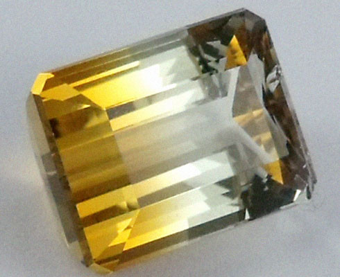 DAZZLING BI COLOR GEMSTONE (SYNTHETIC) 13.65 CARATS PG 83