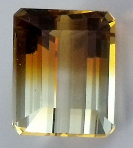 DAZZLING BI COLOR GEMSTONE (SYNTHETIC) 13.75 CARATS  PG 90