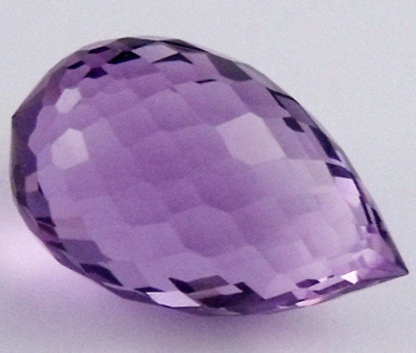 DAZZLING BI COLOR GEMSTONE (SYNTHETIC) 16.85 CARATS  PG 96