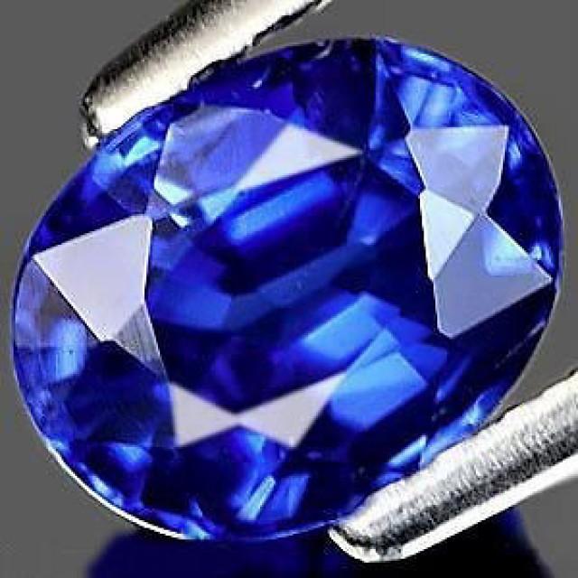 TOP QUALITY VERNEUIL CORNFLOWER BLUE SAPPHIRE 1,80ct 6x8mm