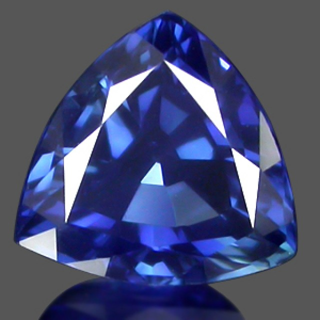 TOP QUALITY CORNFLOWER BLUE VERNEUIL SAPPHIRE14cts 15x15mm