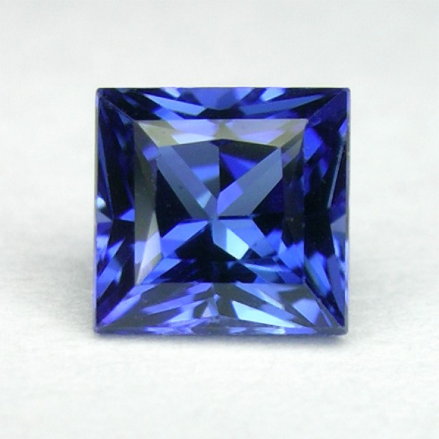 TOP QUALITY VERNEUIL CEYLON COLOR SAPPHIRE 10x10mm..6,11cts