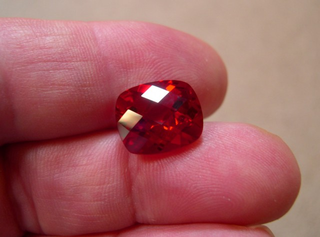 TOP QUALITY VERNEUIL CHECKBOARD GOLDEN RUBY 12x14 MM.10,79CT