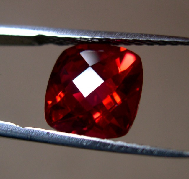 "HIGH QUALITY VERNEUIL ""GOLDEN RUBY"" CHECKBOARD CUT 10x10MM"