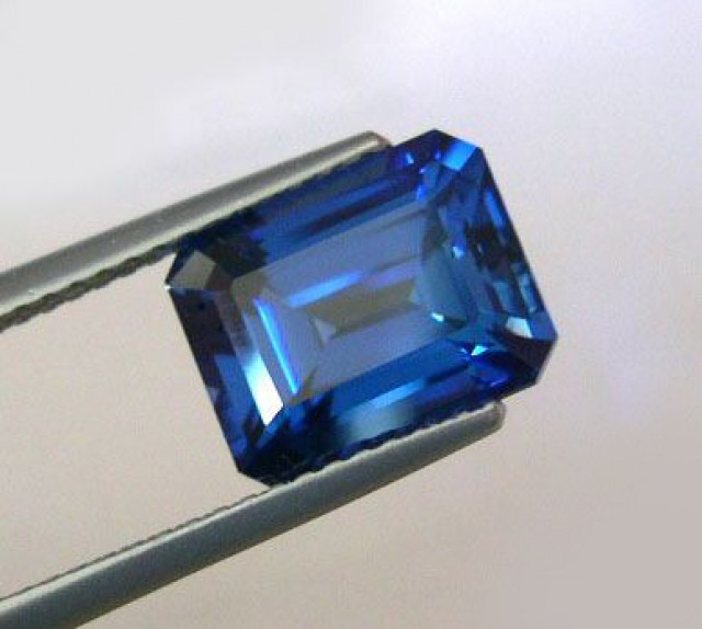 NICE TOP QUALITY VERNEUIL SAPPHIRE BLUE CEYLON COLOR 10x12mm