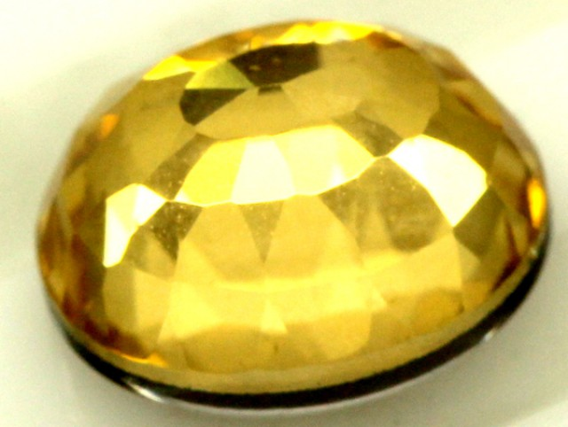 GOLDEN QUARTZ-DOUBLET  4.30  CTS   MA-66