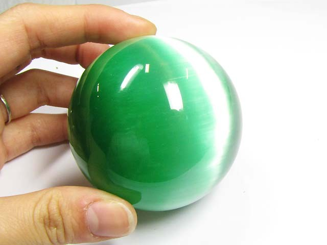 DAZZLING BALL EMERALD GREEN  (SYNTHETIC)1700 CARATS   PG0608