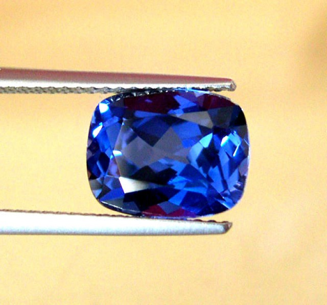 SUPERB VERNEUIL CEYLON BLUE SAPPHIR 12x14mm