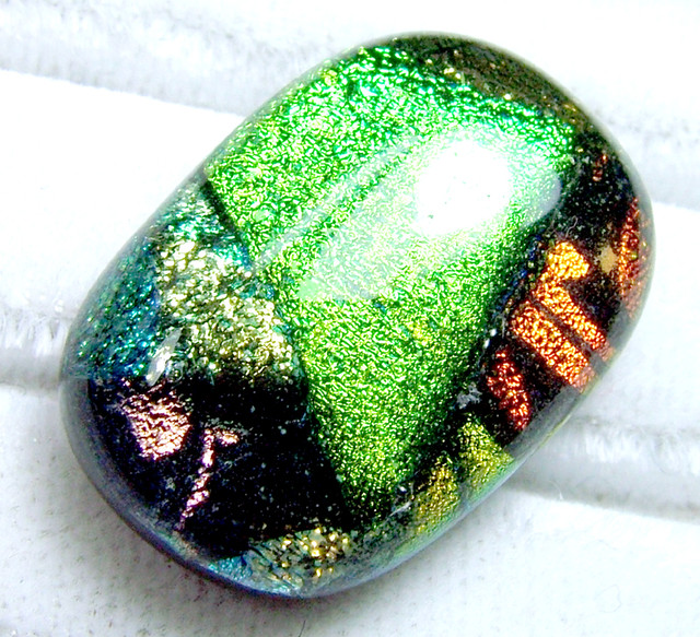 DICHROIC GLASS NEON COLOURS 20  CTS MA-6