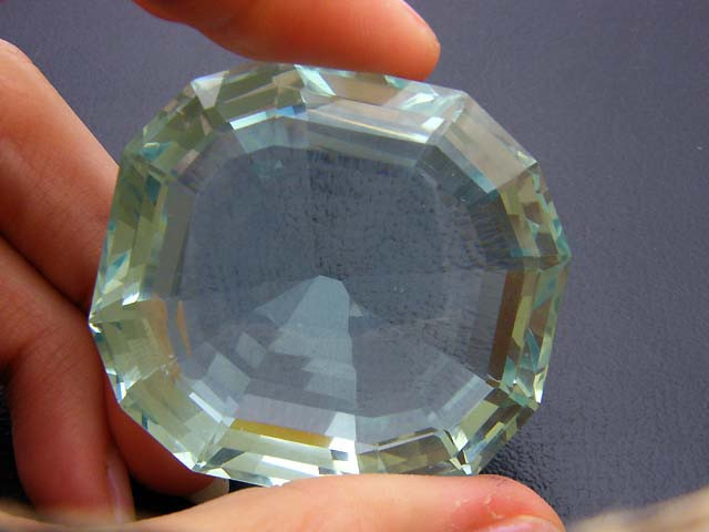 FREE SHIP C HUGE VS GERMAN GLASS STONE 241 CARATS 0716