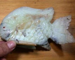 LARGE HAND CARVED QUARTZ FISH  12.70 OZ  RO3348