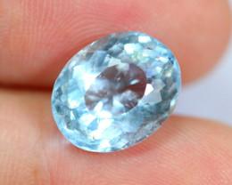 4.77cts Natural vivid Blue Colour Aquamarine / JU235