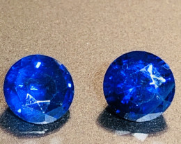 2.34 ct sapphire certified royal blue sapphire pair.