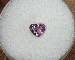 1,50ct Spinel - Heart cut!