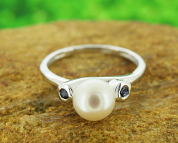Natural Sapphire and Pearl 925 Sterling Silver Ring Size 6