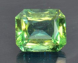 4.28 Cts Green Apatite ~ Awesome Color and Luster ~ AT8