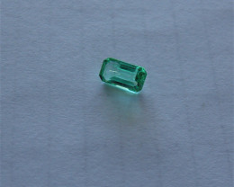 Natural Emerald Gemstone 1.05 ct slight inclusions