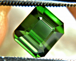 CERTIFIED - 3.24 Carat VVS Green African Tourmaline - Beautiful