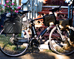 Gemstar / Everlasting Gems uses environmentally sensitive bicycle transportation for 100% of purchases.