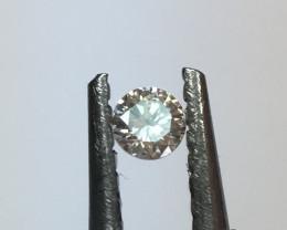 0.015 carat L SI2 round diamond