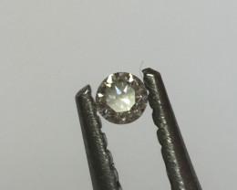 0.01 K VS round diamond