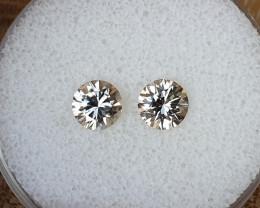 2,34ct White Zircon pair - Master cut!