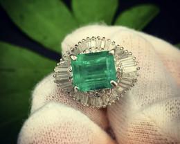 3.84Cts Vivid Green Colombian Emerald Platinum Diamond Ring 1.84Cts Diamond