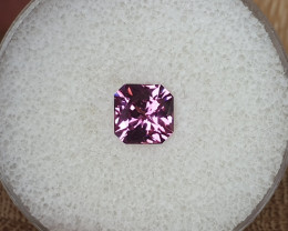 1,72ct Mahenge Garnet - AAA colour!