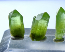 17.00 CT Natural & Unheated Green Peridot Crystal Lot