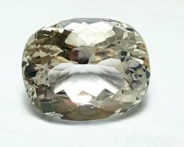 Amazing Loop-clean Cushion cut Quartz good for jewelry  14.5 Cts - P