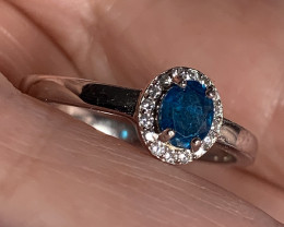 FINE BLUE APATITE STERLING SILVER RING SIZE 6  NR