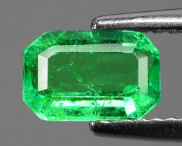 0.90 Cts NATURAL EARTH MINED GREEN COLOR COLOMBIAN EMERALD LOOSE GEMSTONE