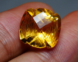 7.85CRT BEAUTY CARVING N CUT YELLOW CITRINE-