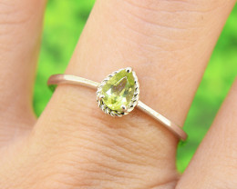 Natural Peridot, 925 Sterling Silver Ring Size 8 (SSR0604)