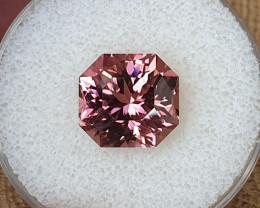 9,06ct Hot pink Tourmaline - Master cut!