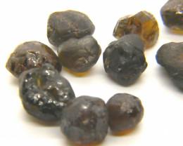 75Ct Natural Mali Garnet Facet Rough Parcel