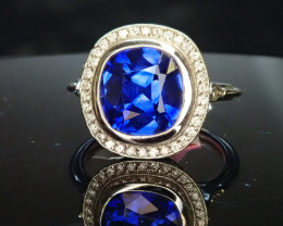 3.67ct Sapphire Ring