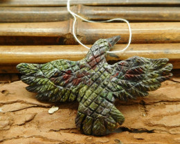 Dragon bloodstone carved raven pendant (G1651)