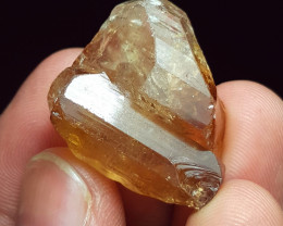 Amazing Gemmy quality Twin Topaz Crystal have good color 85Cts-P