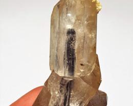 Amazing Damage free Quartz have inside Tourmaline crystal inclusion 140 Cts