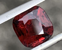 1.84 Carats Spinel Gemstones